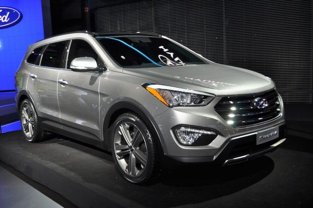 The all new 2013 Hyundai Santa Fe. Featuring a magnificent face rework and a slanted backyard the SUV still gives good space for the passengers. With increased fuel economy and blue-link included, this could be one of the best crossover suv of year 2012.
