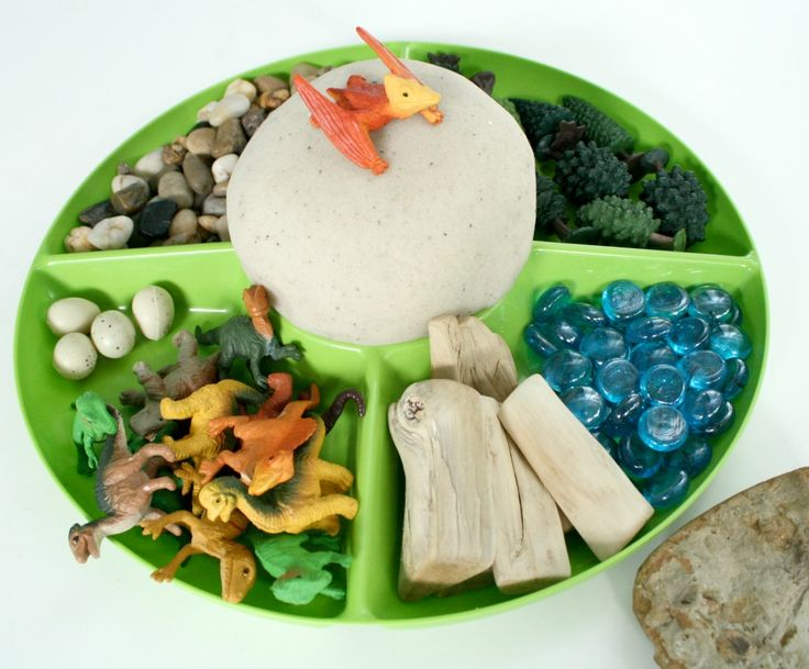 Dinosaur Play Dough Invitation (This would invite lots of play and learning. Thanks from Mrs. A at http://123kindergarten,com)