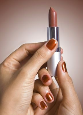Suggerimenti di makeup per le fumatrici: come prolungare la tenuta del rossetto | Makeup and Beauty...Forever