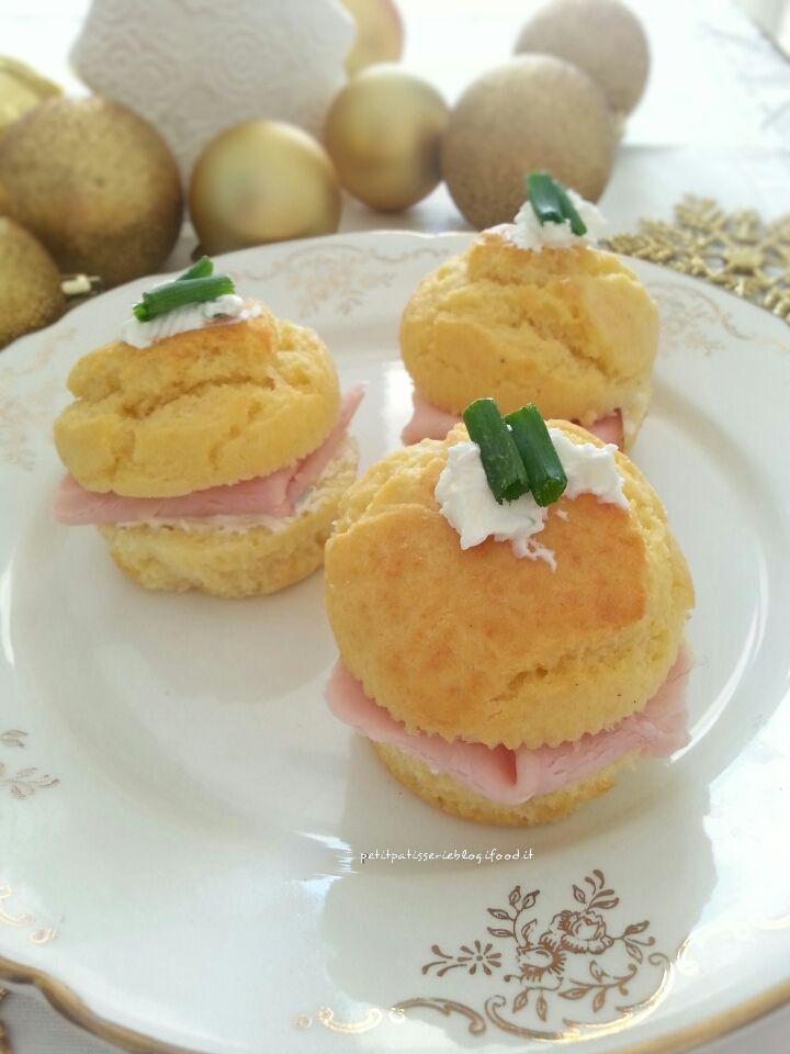 Volete un'idea sfiziosa e per stupire i vostri invitati durante questi giorni di festa? Preparate i Muffin al parmigiano farciti e ci riuscirete! Sono semplici e buoni con una farcitura molto…