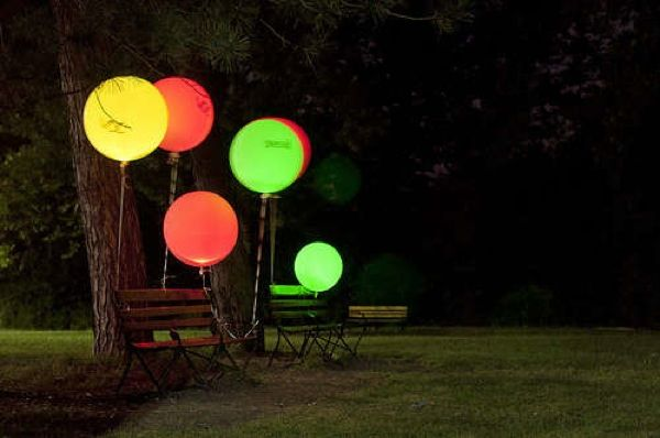 DIY Glowing Balloons that'll Light Up a Party! 1 - https://www.facebook.com/different.solutions.page: Dark Balloons, Glow Sticks, Wedding, Glowing Balloons, Led Balloons, Glow Balloons, Glow In The Dark, Diy, Party Ideas