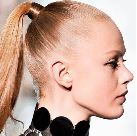 Dikkat! Saçları sürekli sıkı toplamak saç dökülmesine neden olur…  #HandeHaluk #ulus #zorlu #zorluavm #zorlucenter #beautiful #beauty #instabeauty #style #moda #hair #hairstyle #instahair #hairdye #hairdo #instafashion #hairoftheday #hairfashion #instaphoto #instadaily #instagood  #bestagram #bestoftheday #inspiration #beautiful #bakım