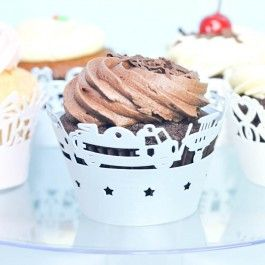 Light blue color toy planes and cars design paper cupcake wrappers/holder