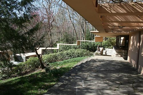 Falling Water - guest house connection - Frank Lloyd Wright