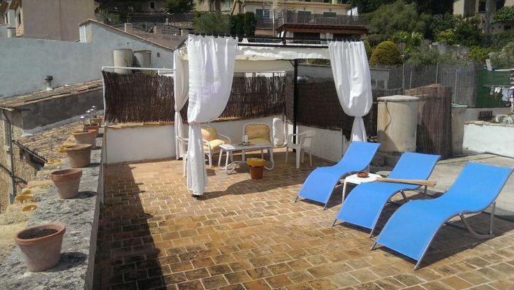 3 Bedrooms, 2 bathrooms at £418 per week, holiday rental in Pollenca with 2 reviews on TripAdvisor