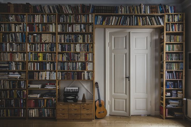 You can store as much books as you nees on your Lundia Classic