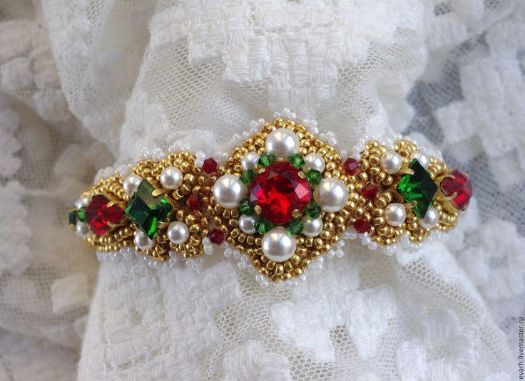 Купить браслет из бисера со сваровски - зеленый, красный, белый, золотой, браслет