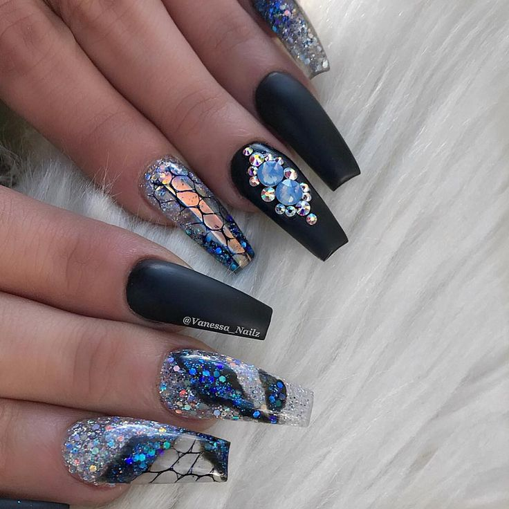 VN Custom Products✨ Silver Holo• Aquaria• Diamond Frost• Black Acrylic •Netting •Chrome Sheet ✨ VN clear Acrylic & Monomer Shop @ www.vanessanailz.com  Swarovskis from @nails_by_annabel_m
