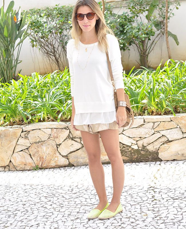 GLAM4YOU - NATI VOZZA - LOOK - CASUAL - SHORT - MALHA - TRICOT - PULL - LOOK WHITE - SHORT COURO - SPADRILLE - ESPADRILLE - NEON - PS1 - BAG - LOOK OF THE DAY