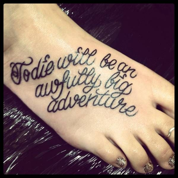 17 beste idee n over peter pan tatoeages op pinterest for To die would be an awfully big adventure tattoo