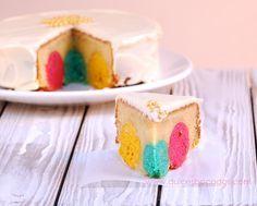 """Receta de """"Mud cake de lunares con chocolate blanco"""": fusionando los CakePops con un pastel. Por @dulcesbocados"""