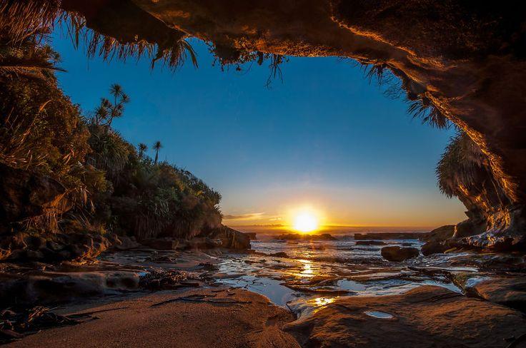 Güney adası Yeni Zelanda...Batı yakasında günbatımı...