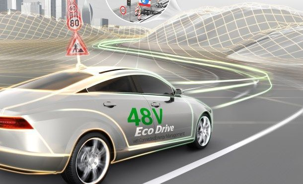 Internet permitirá que los coches sean más eficientes   Qué ventajas tendrá la llegada de Internet a los coches? Continental afirma que uno de sus objetivos es la reducción del consumo y las emisiones.    Los coches conectados a Internet van a ser la antesala del coche autónomo para que los usuarios comencemos a familiarizarnos con un coche capaz de darnos información muy importante de cara a la ruta a seguir atascos y eficiencia. El CES que está por llegar menos de un mes podremos ver…