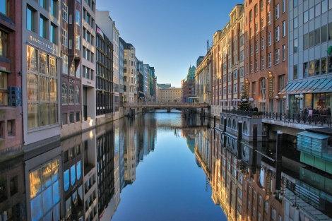 Les canaux à Hambourg, Allemagne
