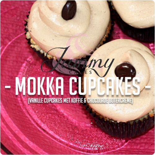 Vanille cupcakes met een royale laag koffie-chocolade botercrème en een koffieboontje om het af te maken!