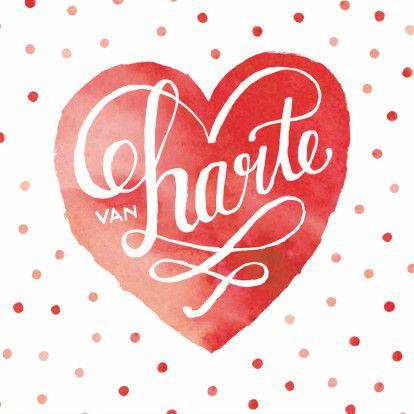 Felicitatiekaart voor een huwelijk, met aquarel geverfd hart en vrolijke stipjes. Wens het bruidspaar veel geluk toe met deze lieve kaart! Design: Revista Te vinden op: www.kaartje2go.nl