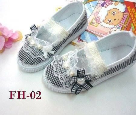 Flat Shoes Anak FH-02 BLACK CHECKERS Import [Sepatu Anak Perempuan]  AVAILABLE SIZE (insole) : - Size 22 (15,5cm) -- setara size 25 - Size 26 (17,5cm )-- setara size 29 - Size 33 (21cm) -- setara size 34  MATERIAL : Canvas, sol karet lentur.  RESELLER WELCOME ^_^  FOR ORDER : add pin 766A 6420