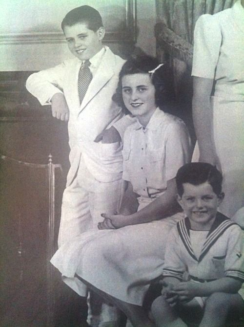Robert Francis Kennedy, Kathleen Cavendish, Marchioness of Hartington And ..Edward Moore Kennedy (Ted Kennedy) ❤❁❤❁❤❁❤❁❤❁❤  http://en.wikipedia.org/wiki/Kennedy_family