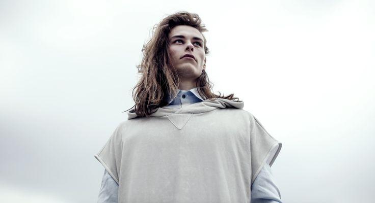 """Фурио Пичути (Furio Picuti) принял участие в показе мужской одежды Warrior Show Marangoni """"Pitti Immagine Uomo 88"""". Вдохновение в своих работах он находит в загрязнении современным искусством и философией в мире. Непрерывным исследованием во всех творческих сферах, он пытается объединить всё для создания чего-то другого, нового. #дизайн #мода #Италия #ItalianDesignAgency #Итальянское #Дизайнерское #Агенство"""