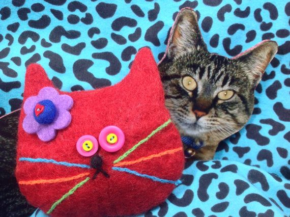 Red Cat Bag by showmealittlesign on Etsy, $15.00