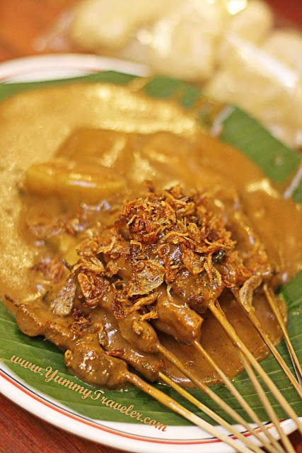 Sate Padang Ajo Ramon #IndonesianFood OMG MY FAVORITE TRADITIONAL FOOD FROM MY COUNTRY