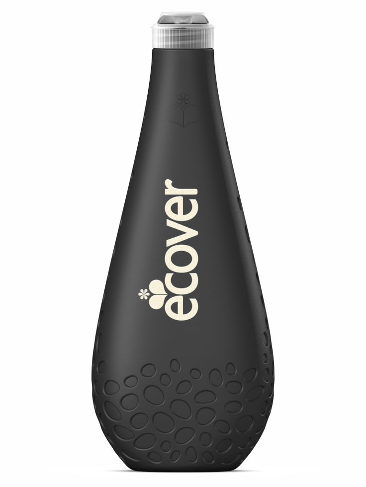 The new Ecover Ocean Bottle, designed and manufactured by Logoplaste Innovation Lab, is produced completely from recycled plastic, 10% of which comes from the sea.