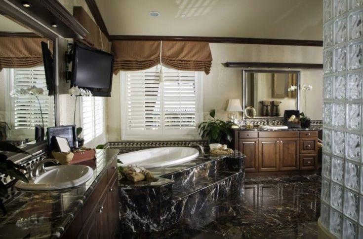 Prozess verschwenderischen viktorianischen Badezimmer