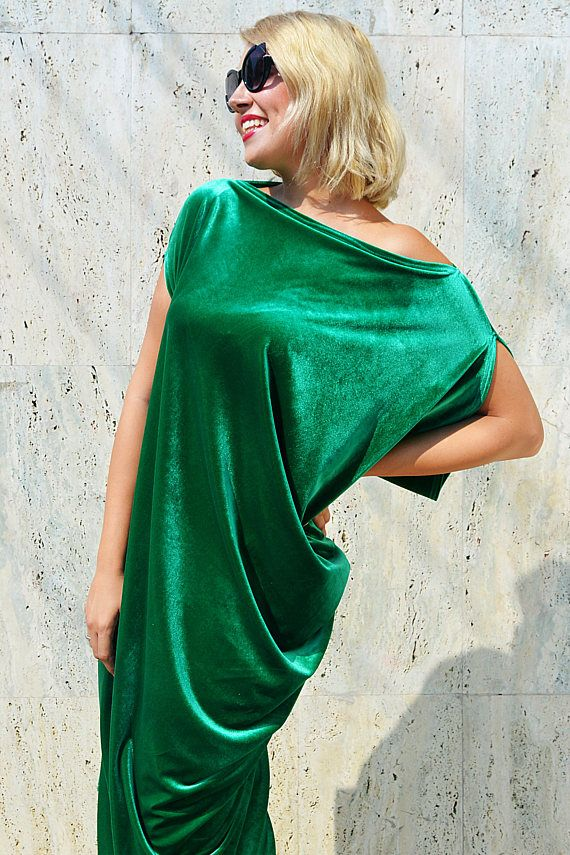Check out this item in my Etsy shop https://www.etsy.com/listing/535640832/velvet-green-kaftan-asymmetrical-maxi
