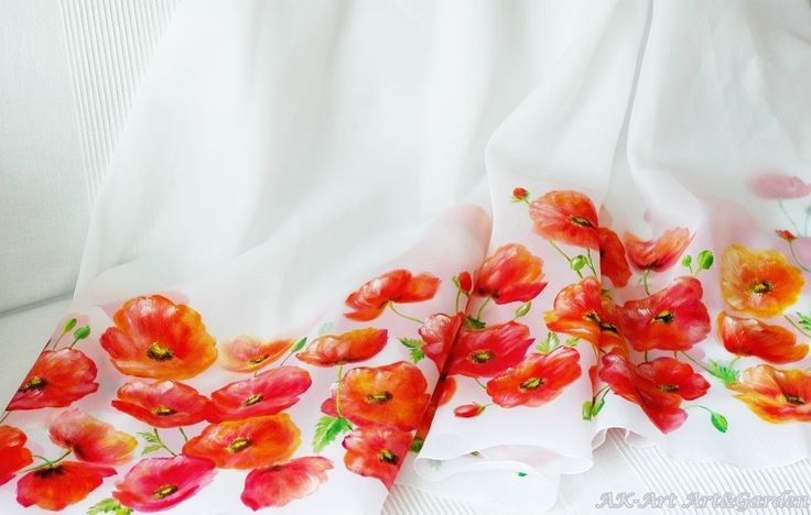 Materiał na suknię malowany ręcznie w maki / Material for a dress hand painted in poppies
