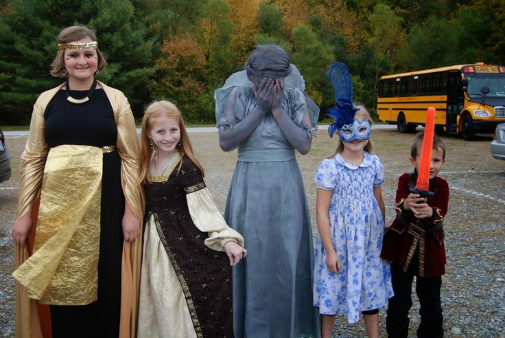 Fun at the Doctor Who Day at the Renaissance Faire! plus, raising brain cancer awareness! 31 Days of Gray