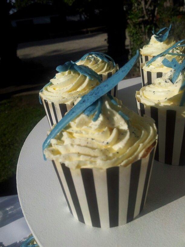 Moenae Wedding cupcakes