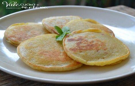 Pancake salati con tonno e stracchino