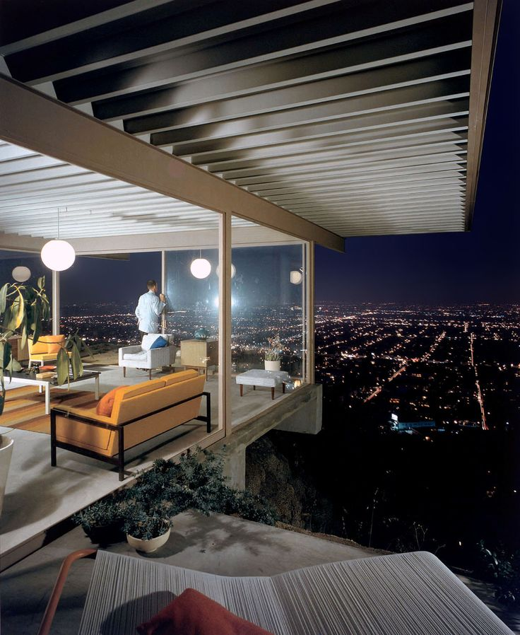 Stahl house photographed by Julius Shulman 38