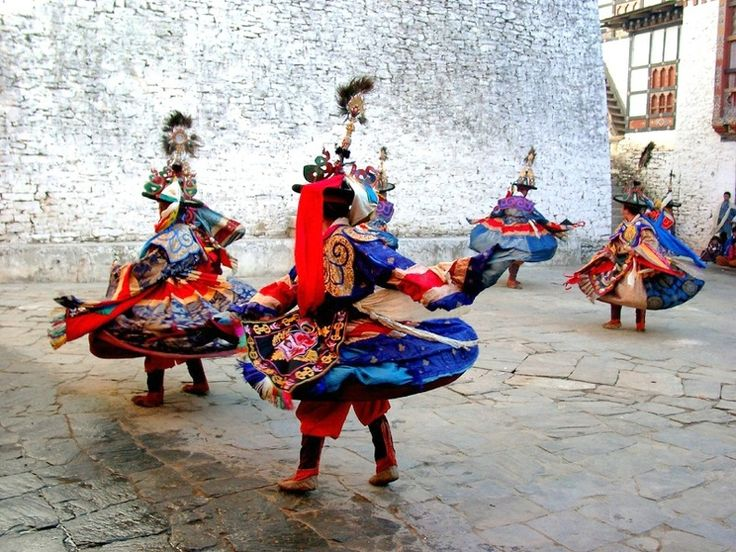 A Traditional Performance at the Hemis Festival in Ladakh. A truly remarkable and memorable experience.  #ColourfulHorizons