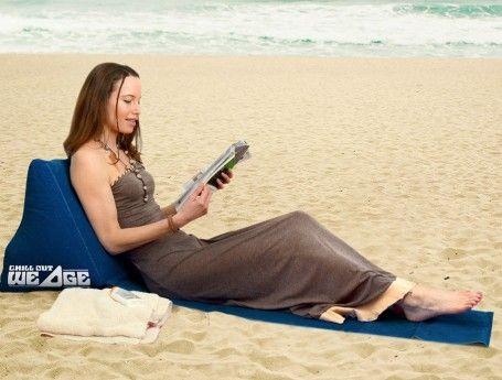 Met dit matje met opblaasbare ruggesteun heb je nooit meer rugpijn en vieze billen. Heerlijk loungen dus op de camping, op het strand of tijdens een picknick.