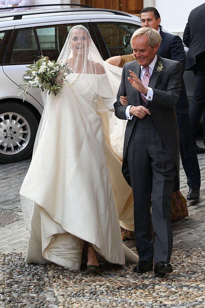 La mère de la mariée est l'arlésienne de ce mariage !... Hélas les amies aucune photo d'elle à la cérémonie ...  Consolons nous avec celle-ci prise juste la veille...Dommage car la duchesse est ...