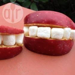 Photo recette : Dents de vampire à la pomme pour Halloween