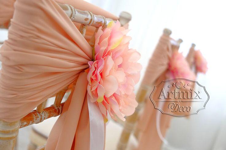 Свадебная арка на выездной церемонии из цветов глицинии - Артмикс Декор
