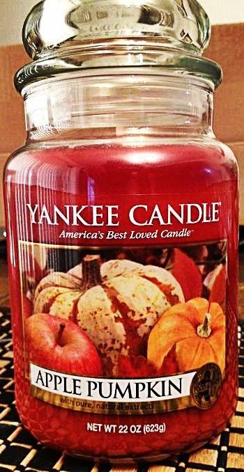 Apple Pumpkin Yankee Candle #YankeeCandle #MyRelaxingRituals My house always smells amazing.