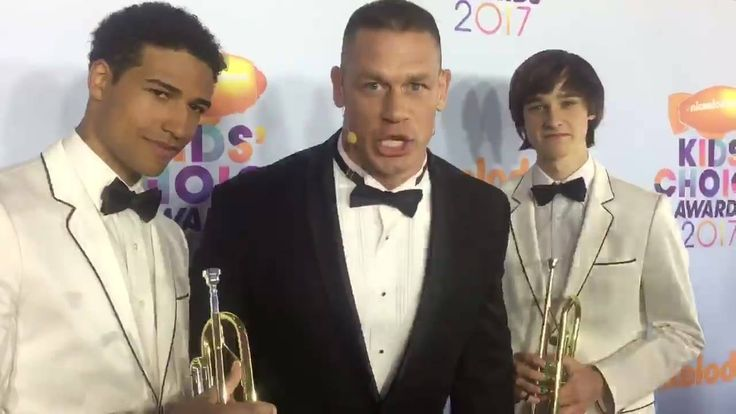 Yes, there are trumpets.  Yes, it is getting crazy on the Orange Carpet.  YES! The Nickelodeon #KCA are on TONIGHT!