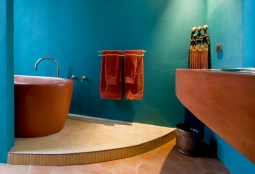 Love the bold colors, perfect for a guest bath