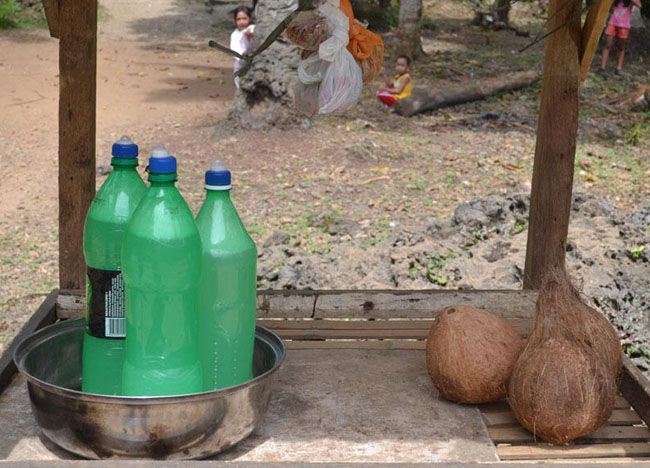 Coconut Vinegar - Top 10 Filipino Food - or our full top 10 Filipino food check here: http://live-less-ordinary.com/eating-asia/top-10-filipino-food-pinoy-food