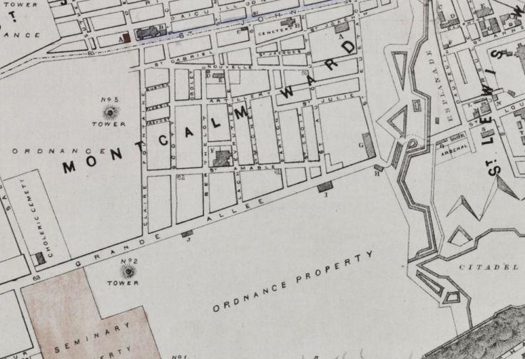 Carte de Québec en 1871: l'hôtel du Parlement n'est toujours pas construit et le sud de la Grande Allée appartient aux militaires. Les quelques bâtiments sont de nature militaire. (Extrait de Plan of the city of Quebec for the Quebec & Levis directory, Paul Cousin, 1871, G3454, Q4, 871, C68 CAR, BANQ)