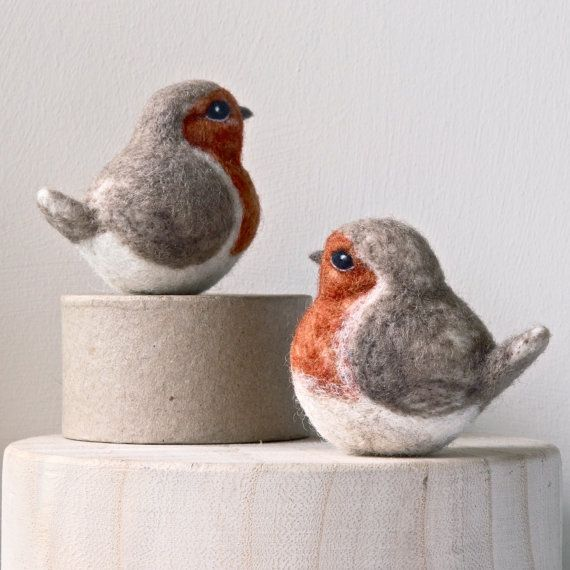 needle felted robin - robin ornament - needle felted decoration - by TheLadyMoth