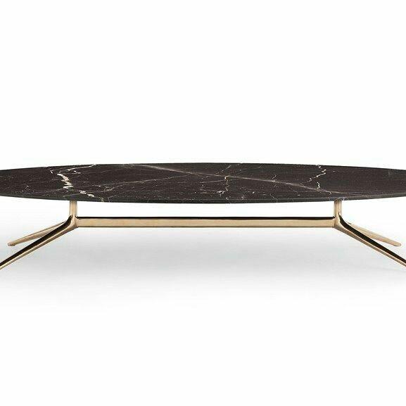 Mesa de jantar oval Mondrian by Poliform Design. Desenho Jean Marie Massaud. Tampo em Mármore