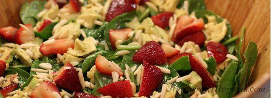 Salada de Espinafre com Morango e Abacate