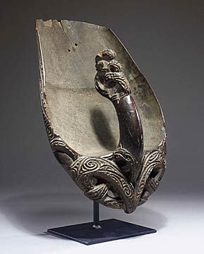 A Maori canoe bailer ornately carved - Pre-European