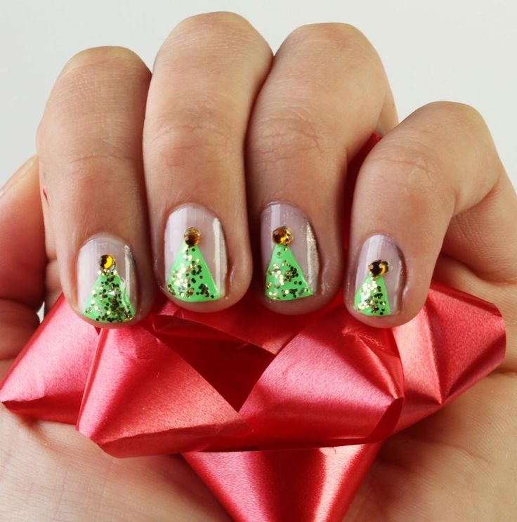 DIY Christmas Tree Nail Art DIY Nails Art