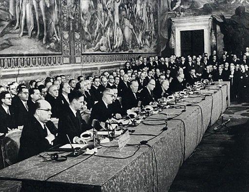 signature du traité de Rome instituant la CEE