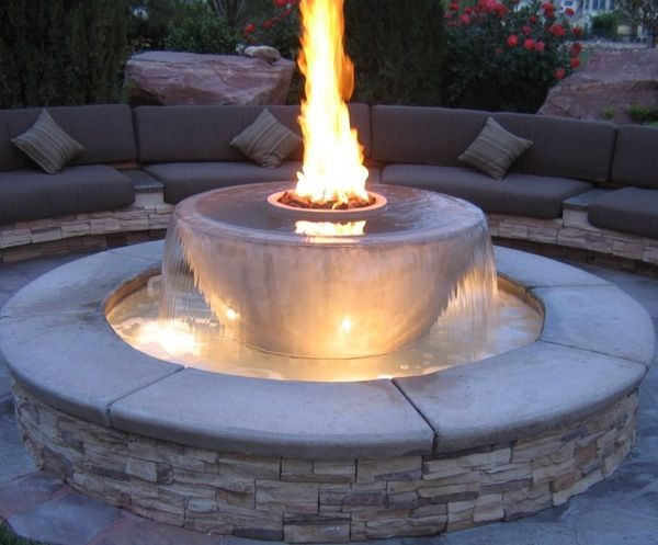 Modern | Water Feature with Fire Pit.